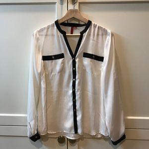 Nordstrom 5/48 black and white blouse